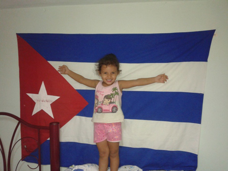 churri-con-bandera-cubana