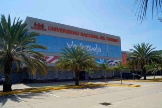 universidad-nacional-del-turismo-venezuela-01-580x386