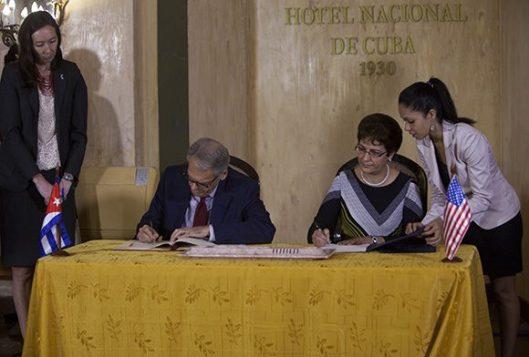 Cuba-y-Estados-Unidos-firman-acuerdo-sobre-salvamento-aeronáutico-y-marítimo-5-580x392.jpg