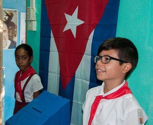 pioneros-voto-elecciones-cuba-580x474