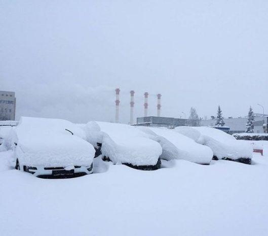 07-autos-bajo-la-nieve-580x510