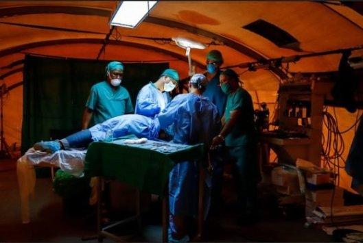 5-médicos-cubanos-en-mozambique-580x390